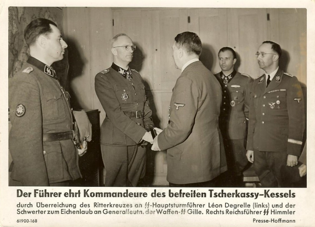 Degrelle at award ceremony for Cherkassy survivors.jpg