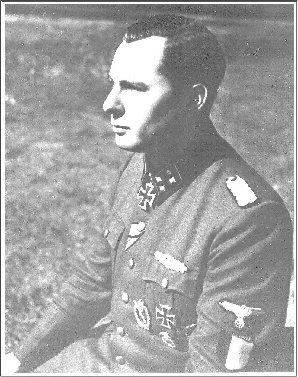 1944. LD Sturmbannführer.JPG