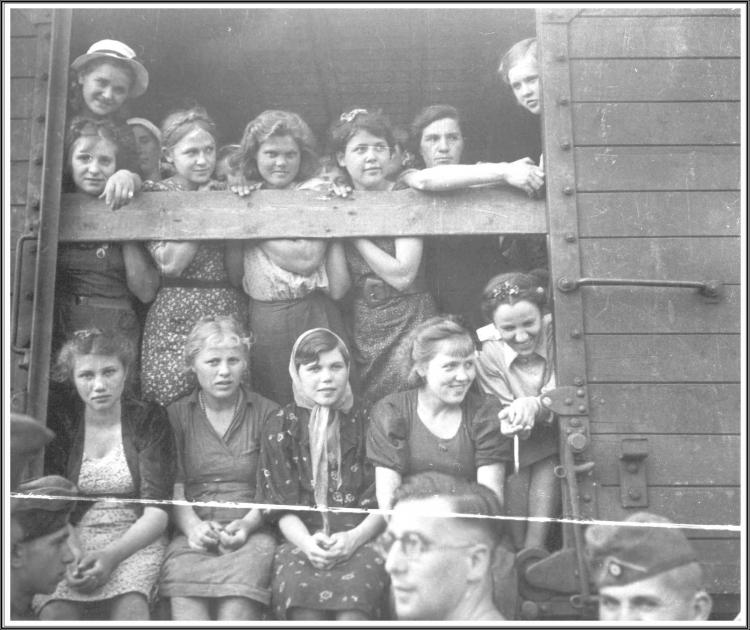 Evacuation Filles russes 1942.JPG