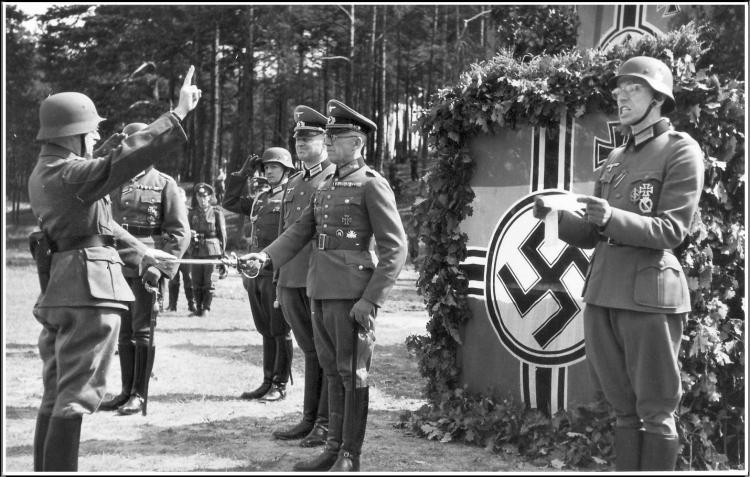 1941, 22 août. Prestation de Serment 2 (Soir).jpg