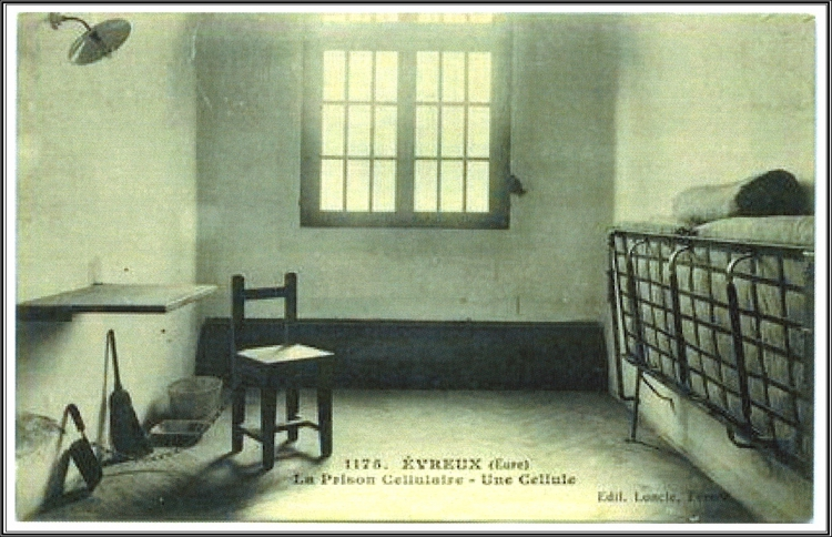 41 Prison Evreux.jpg