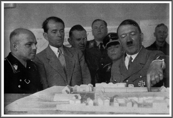 Hitler Speer Maquette.jpg